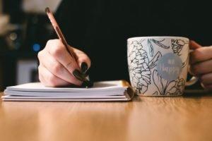 La fanficción es un camino por el que muchas personas se inician en la escritura.