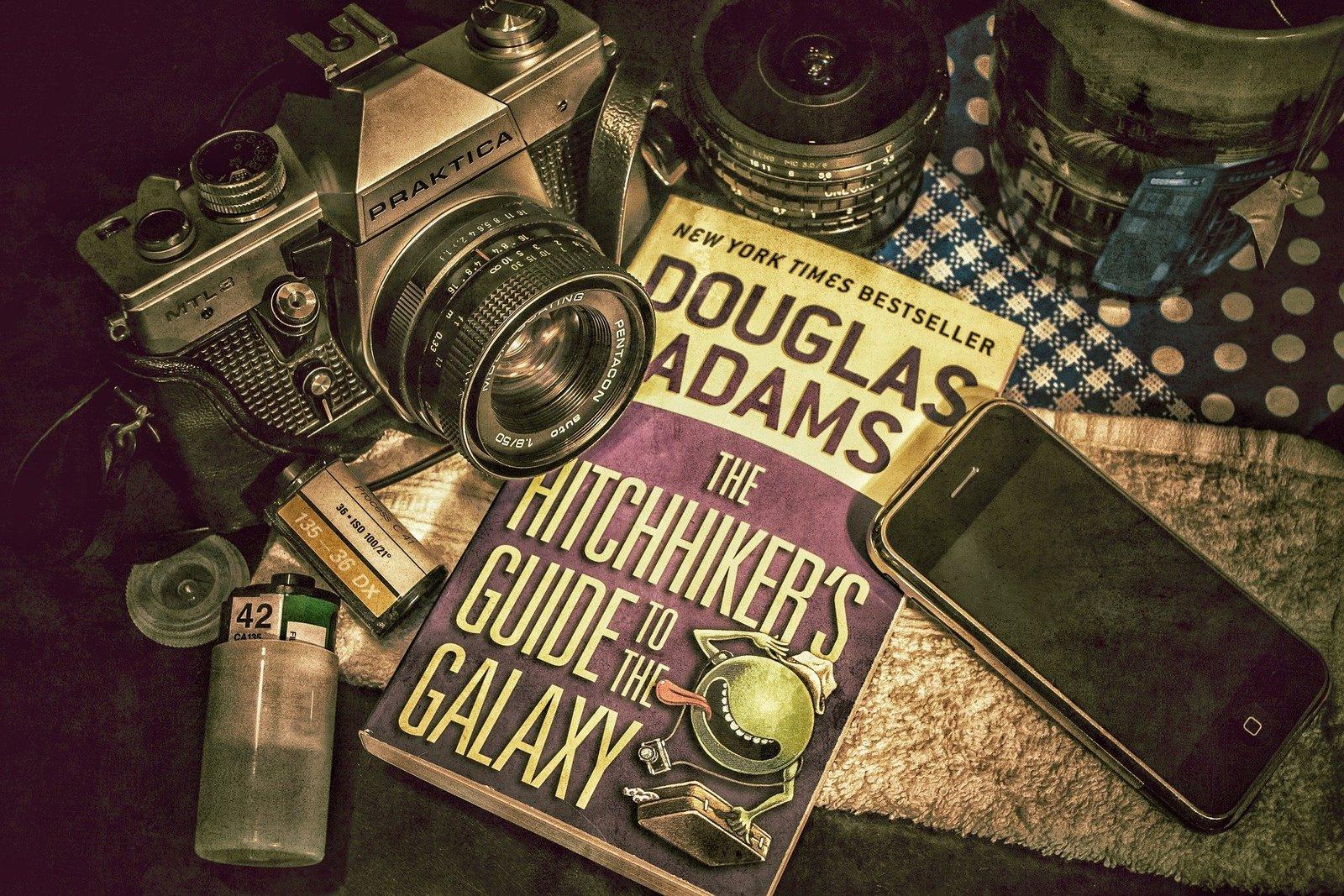El día de la toalla conmemora la vida y obra de Douglas Adams.